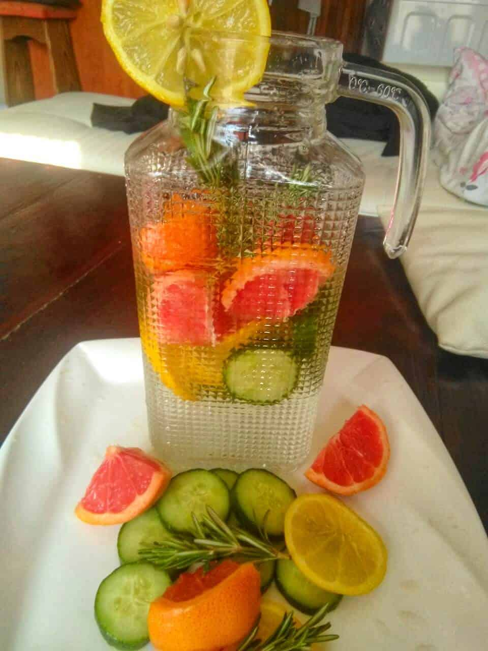 How to get rid of bloating overnight with belly bloat detox water